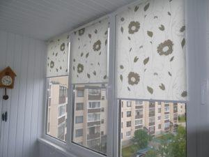 Установка рулонных штор на пластиковые окна в Раменском
